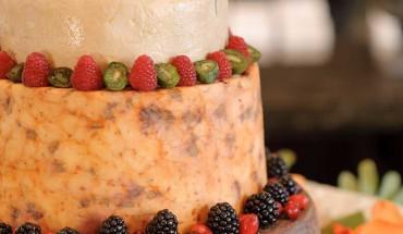 helm-wedding-cake-wisconsin-cheese-800